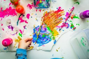 Benefits of arts and crafts for kids.